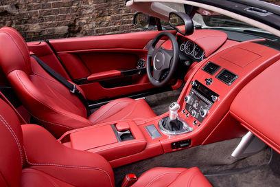 aston-martin-v12-vantage-roadster-aston-martin-v12-vantage-roadster-6
