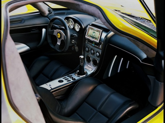 2002-2004-Saleen-S7-Interior-With-GPS-1920x1440