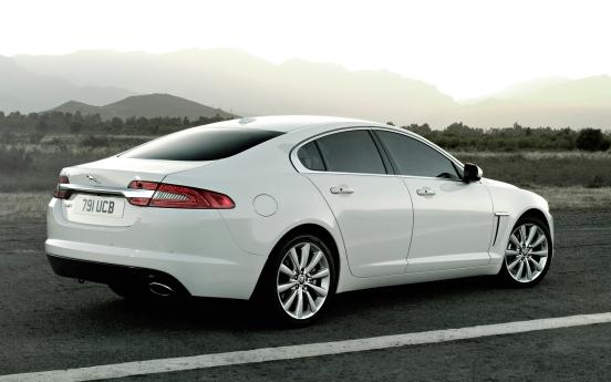 2012-Jaguar-XF-rear