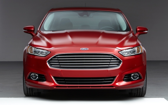 2013-Ford-Fusion-front-end