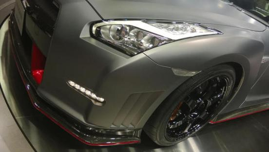 2015-Nissan-GT-R-NISMO-Live-Shot-06