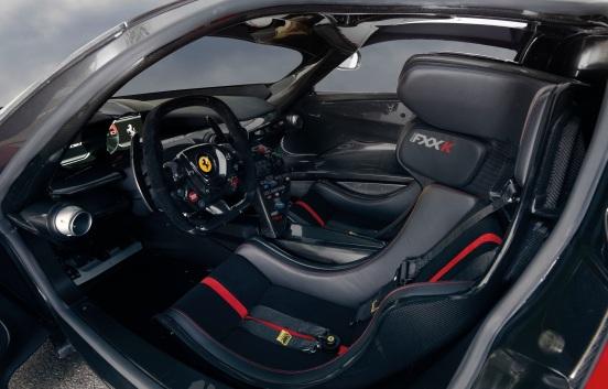 2015_Ferrari_FXXK-5-2048