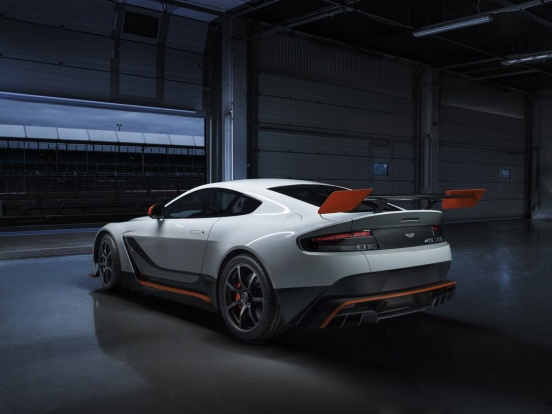 2015_AstonMartin_VantageGT3specialedition-2-1024
