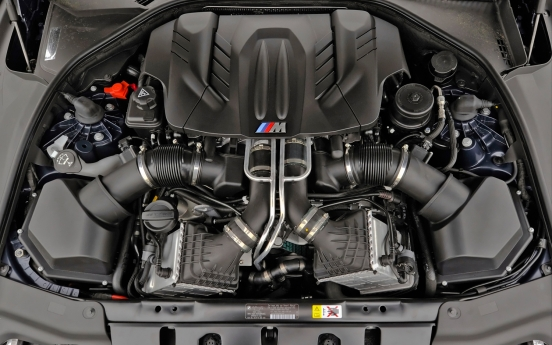 2013-bmw-m6-coupe-engine