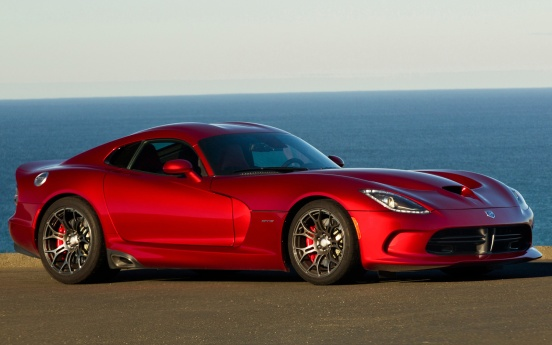 2013-SRT-Viper-front-side-view-in-red