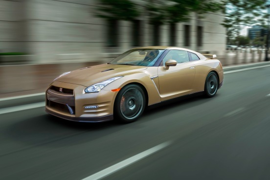 2016-Nissan-GT-R-45th-Anniversary-Gold-Edition-2