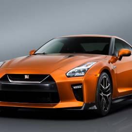 Nissan_GT_R_2017_004